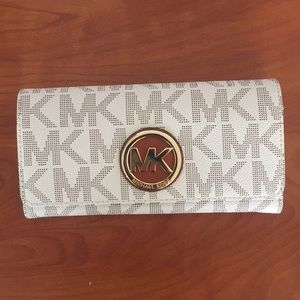 Brand New White Michael Kors Wallet